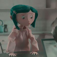 Coraline Art, Coraline Movie, Coraline Jones, Cartoon Icons, Cartoon Memes, Cute Cartoon, Cartoon Drawings, Cartoon Art, Cartoon Characters