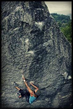 squamish bouldering. i'm not going to try this problem this way next time