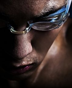 a swimmer's life. Swimming Senior Pictures, Swimming Photos, I Love Swimming, Swimming Diving, Swimming Workouts, Swimming Photography, Sport Photography, Beauty Photography, Photography Outfits
