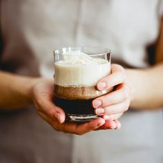 Best anti-inflammation doctors drinks this for breakfast..Inflammation-Fighting Chocolate Shake Serves 1  Ingredients 1 cup water or almond milk or coconut milk 1 scoop chocolate collagen protein powder (like my SLIM Collagen Shakes in Chocolate Almond) H