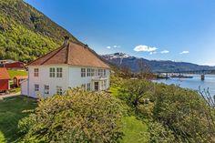 Loftesnes, 6856 Sogndal, Norway - Oppført Bolig for sorenskriveren i Indre Sogn Loft, Real Estate, Norway, Cabin, Mansions, House Styles, Home Decor, Photo Illustration, Real Estates