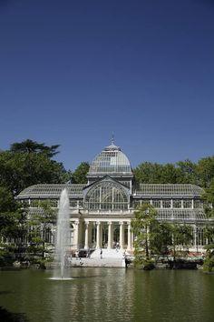 El Retiro. El Palacio de Cristal, un ejemplo sobresaliente de la arquitectura de hierro y cristal, y una maravilla para la vista (Foto: Mariano Domínguez)