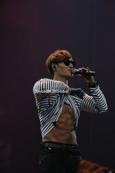 KJK and his washboard abs . Korean Variety Shows, Korean Shows, Korean Men, Asian Men, Running Man Korean, Jae Suk, Kim Jong Kook, Kwang Soo, Kim Jung