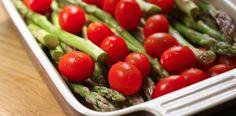 Asparges og tomater
