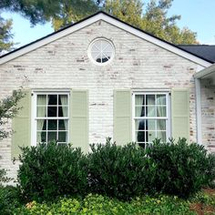 Painted Brick-How to Easily Change It Back After Painting It - florentina Brick Exterior Makeover, Exterior Paint, Exterior Houses, Cottage Exterior, House Exteriors, White Brick Houses, Painted Brick Exteriors, Shutter Colors, Green Shutters