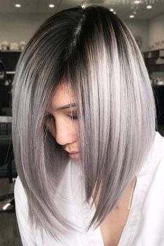 Explore here to discover the beautiful and modern styles of long bob haircuts with amazing silver metallic hair colors. This is feminine and charming hair color idea for long and medium haircuts. Women around the world are continuously sporting this hair Gray Balayage, Hair Color Balayage, Ombre Hair, Gray Hair, Brown Hair, Ombre Bob, Hair Dye, Grey Hair Long Bob, Black Hair