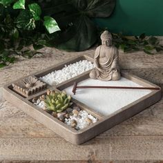 Build your own mini zen garden with this zen garden kit which aids in meditation. - Build your own mini zen garden with this zen garden kit which aids in meditation and provides relax - Jardin Zen Miniature, Mini Jardin Zen, Mini Zen Garden, Dream Garden, Zen Sand Garden, Miniature Gardens, Meditation Rooms, Meditation Garden, Buddha Meditation