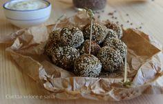 Crocchette di lenticchie, cavolfiore e semi di sesamo