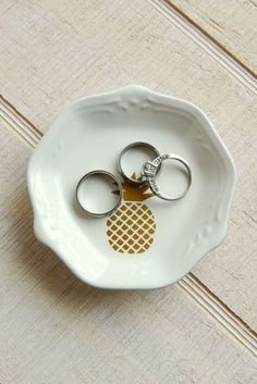 Upcycled Thrift Store Dishes - Can hold rings! BusyBeingJennifer.com #101handmadedays