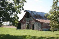 Anthony Cornett's photo of a barn in Missouri.