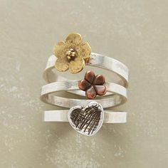 what a cute stack ring