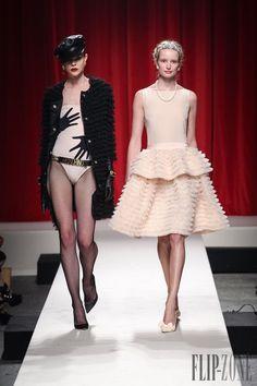 Moschino - Ready-to-Wear - Spring-summer 2014 - http://www.flip-zone.net/fashion/ready-to-wear/fashion-houses-42/moschino-4183 - ©PixelFormula