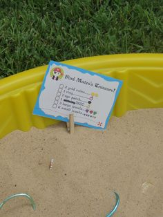 treasure hunt in baby pool @Bronwyn...end of the year party fun?