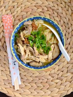 Sichuan-Style Chicken Noodle Soup from Appetite for China. Substitute Coconut Aminos for soy sauce and use rice noodles and it's perfect for the Elimination Diet. Asian Recipes, Healthy Recipes, Ethnic Recipes, Soup Recipes, Chicken Recipes, Dinner Recipes, Asian Soup, Chicken Noodle Soup, Pasta