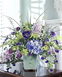 DIY Flower Projects – There is nothing quite like fresh flower arrangements for the house decoration. Read MoreBest DIY Flower Projects with Simple Tools and Materials Silk Flower Centerpieces, Spring Flower Arrangements, Silk Floral Arrangements, Artificial Flower Arrangements, Beautiful Flower Arrangements, Beautiful Flowers, Flower Decorations, Wedding Centerpieces, Silk Flowers