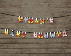 Winnie the Pooh Birthday Pennant Banner 2 party baby por Paperdoey