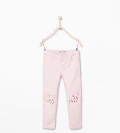 ZARA - KINDER - Hose mit Stickerei an den Hosenbeinen