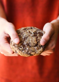 Jacques Torres Chocolate Chip Cookie Recipe aka NY Times Chocolate Chip Cookie. Are they the best? I actually think they might be. Fussy and time consuming, but worth it! #cookiesandcups #recipe #cookies #baking #jacquestorres #nytimes #chocolatechipcookie