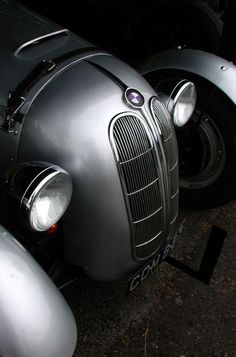 BMW 328 Sports Car - built 1936 til 1930 designed by Peter Szymanowski, later chief designer by BMW. This was at a time, when there were very few sports cars driven, so this was the hottest car around. It served absolutely no purpose but vs lamborghini Luxury Sports Cars, Bmw Sports Car, Sport Cars, Sport Sport, Supercars, E60 Bmw, Ferrari, Lamborghini, Cars Vintage