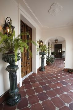 2008 Argentinian Colonial Revival – Famous Last Words Spanish Revival, Spanish Style Homes, Spanish House, Spanish Style Interiors, Boho Glam Home, Hacienda Style Homes, Mexico House, Mediterranean Home Decor, My Dream Home