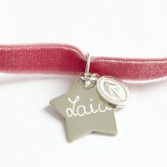 collar terciopelo con estrella de plata grabada con nombre