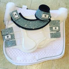 Loving these sets from White Hufglocken.perfect for competitions Don't leave your orders til the last minute for upcoming competitions - Céline Walter - Riding Gear, Horse Riding, Riding Helmets, Riding Boots, Equestrian Boots, Equestrian Outfits, Equestrian Style, Equestrian Problems, Eskadron Platinum