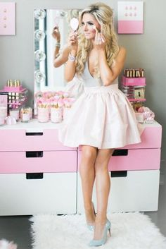 Helpful Hints on How to Be a Girly Girl ★ See more: http://glaminati.com/girly-girl-helpful-hints/