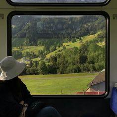 Сохранённые фотографии – 2 141 фотография Septum Piercings, Photo Instagram, Food Instagram, Train Travel, Summer Vibes, Airplane View, Beautiful Places, Scenery, Photos