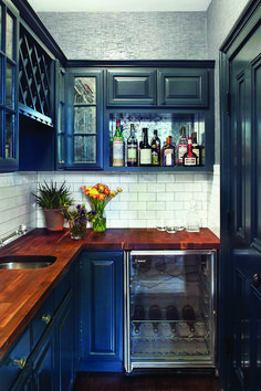Top blue kitchen walls with maple cabinets for your cozy home