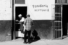 BLANCA Y NEGRA – STREET PHOTOGRAPHY FROM HAVANA