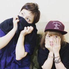 """Yumi+Yoshimura+&+Ami+Onuki+:+""""¡Sólo+2+espectáculos+más+al+lado+de+esta+gira!+¡Makubetsu+en+Hokkaido+e+Iga+en+Mie!+¡Vamos+todos+a+Nin! ¡Y+para+terminar+nuestro+20º+aniversario,+estamos+teniendo+un+""""PAPAPAPA+PARTY""""+el+4+de+diciembre!+¡¡El+primer+grupo+de+invitados+se+han+anunciado+hoy+a+fin+de+comprobar+la+HP!!""""  Y+estas+fueron+las+palabras+del+Instagram+de+Ami-chan.+No+entiendo+porque+esas+caras+indistintas...."""