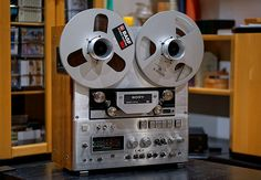 SONY TC-880-2 - Reel to Reel Tape Recorder with rich, warm, transparent sound   Sweet :)