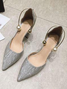 Shoes Heels, Pumps, Character Shoes, Dance Shoes, Fashion, Dancing Shoes, Moda, Fashion Styles
