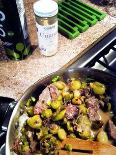filete de avestruz con tomatillo verde y cebolla confimentado con cuana ajo y sal de mar!