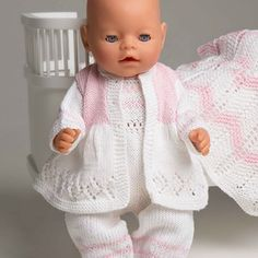 Kjole og hatt - Viking of Norway Sirdar Knitting Patterns, Knitted Doll Patterns, Doll Sewing Patterns, Knitted Dolls, Doll Clothes Patterns, Knitting Dolls Clothes, Ag Doll Clothes, Crochet Doll Clothes, Boy Baby Doll