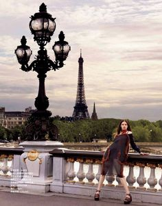 fashion editorials, shows, campaigns & more!: romance in paris: lily mcmenamy by leslie kee for vogue taiwan august 2014 Leslie Kee, Paris Winter, Fall Winter, Prada, Portrait Inspiration, Dark Fashion, Hottest Models, Parisian, Editorial Fashion