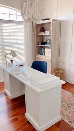 Cozy Home Office, Home Office Space, Bedroom Office, Home Office Desks, At Home Office Ideas, Home Office Shelves, Diy Office Desk, White Desk Office, Ikea Office