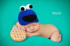 Sesja noworodkowa, newborn session ideas, cookie monster