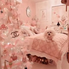 Here are the best Shabby Chic Christmas Decor ideas that'll give your room a romatic touch. From Pink Christmas Tree to Shabby Chic Christmas Ornaments etc Shabby Chic Kranz, Shabby Chic Pink, Shabby Chic Decor, Shabby Chic Christmas Ornaments, Pink Christmas Decorations, Deco Studio, Girl Bedroom Designs, Rich Girl Bedroom, Blush Bedroom