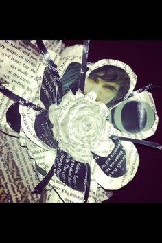I made this book flower using Obsidian, Lux book 1 by Jennifer L. Armentrout.