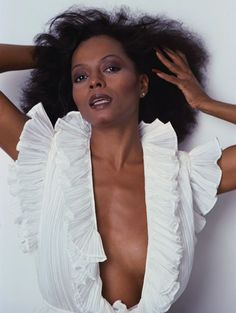 Diana Ross is a beauty girls dream for Halloween Betty White, Beautiful Black Women, Beautiful People, Diana Ross Supremes, Lady Sings The Blues, Vanessa Redgrave, Vintage Black Glamour, Kim Basinger, Jane Seymour
