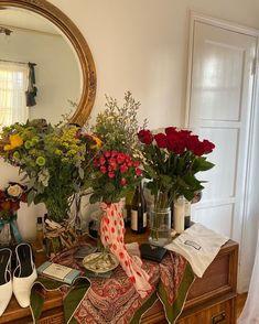 Sogetsu Ikebana, No Rain, Flower Aesthetic, New Wall, Room Inspiration, Planting Flowers, Beautiful Flowers, Fresh Flowers, Sweet Home