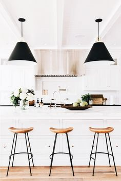 Kitchen Interior Design Remodeling Kitchen remodel by Studio McGee Modern Farmhouse Kitchens, Modern Farmhouse Style, Home Kitchens, Modern Rustic, Kitchen Modern, Rustic Kitchen, Scandinavian Kitchen, Country Kitchen, Minimal Kitchen