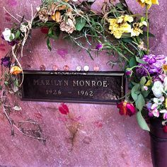 Marilyn's grave. Born 26 reverse to died  62....