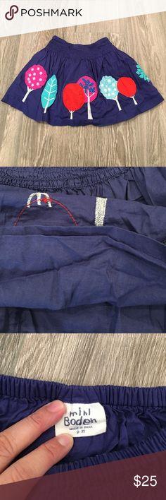 Mini Boden Graphic Embroidered Skirt EUC Mini Boden skirt.Fully lined. Mini Boden Dresses Casual