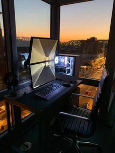 Modern DIY Computer Desk Ideas for Your Home Office - Bilder Computer Desk Setup, Gaming Room Setup, Gaming Desk, Pc Desk, Pc Setup, Gaming Rooms, Dual Monitor Setup, Pc Photo, Pallet Bed Frames