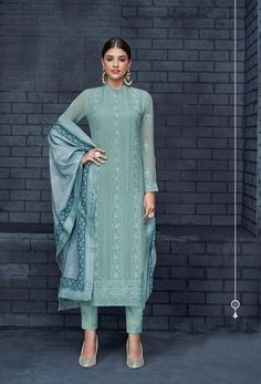 Browse our latest collection of designer salwar kameez. Order this fetching embroidered and resham work faux georgette designer salwar suit. Salwar Designs, Kurta Designs Women, Kurti Designs Party Wear, Designer Kurtis, Designer Salwar Suits, Designer Sarees, Pakistani Dress Design, Pakistani Dresses, Pakistani Suits