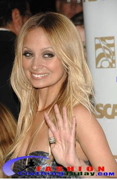 A chic and fun thumb ring never really goes out of style. Nicole Richie did not have only one For More Visit http://nimsdivine.com/women-fashion/nicol-richie%E2%80%99s-fabulous-ring/