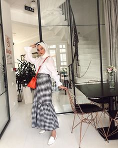 Source by lyshaazahar kombinleri Source by kayleighkaurshop kombinleri Muslim Fashion, Modest Fashion, Hijab Fashion, Fashion Outfits, Modest Dresses, Modest Outfits, Skirt Outfits, Muslim Girls, Muslim Women