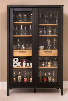 Home & Decor Crockery Cabinet, Drinks Cabinet, Painted Furniture, Home Furniture, Furniture Design, Furniture Plans, System Furniture, Bar Sala, Decoration Vitrine